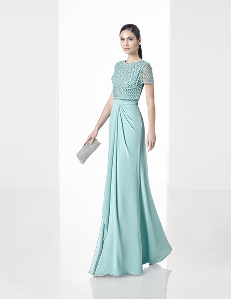 1T190 gown from the 2017 Rosa Clara: Cocktail collection, as seen on Bride.Canada