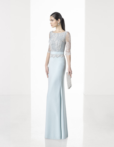 1T192 gown from the 2017 Rosa Clara: Cocktail collection, as seen on Bride.Canada