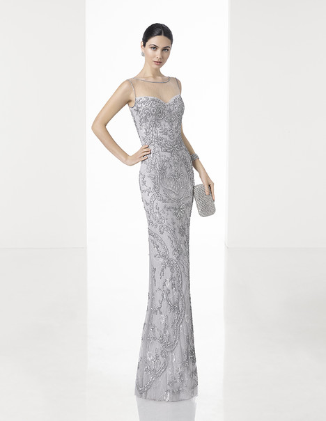 1T205 gown from the 2017 Rosa Clara: Cocktail collection, as seen on Bride.Canada