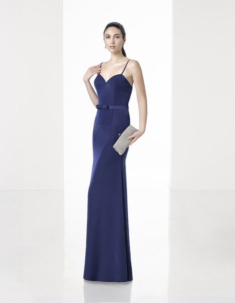 1T275 gown from the 2017 Rosa Clara: Cocktail collection, as seen on Bride.Canada