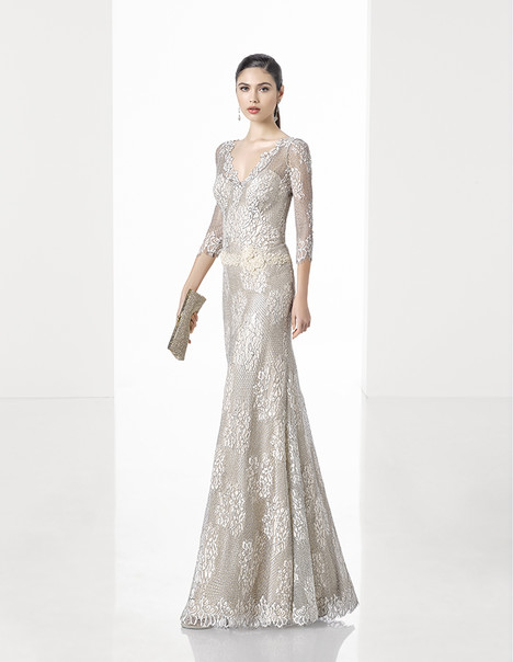 1T295 gown from the 2017 Rosa Clara: Cocktail collection, as seen on Bride.Canada