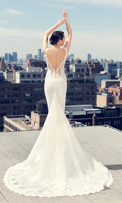 3733 (back) gown from the 2017 Regina Schrecker Sposa collection, as seen on Bride.Canada
