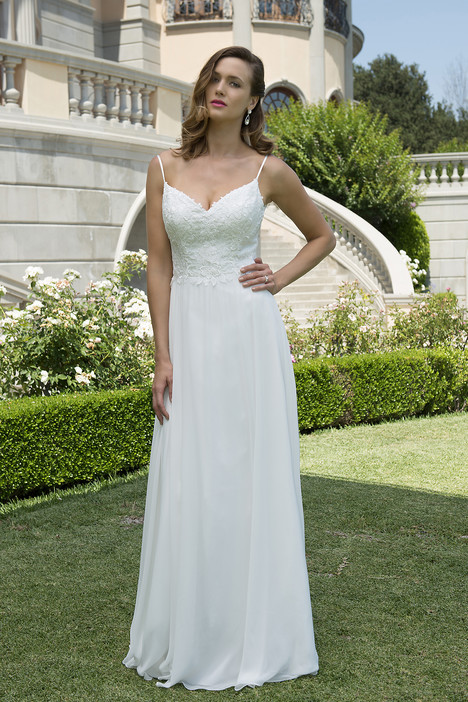VN6916 gown from the 2017 Venus Informal collection, as seen on Bride.Canada