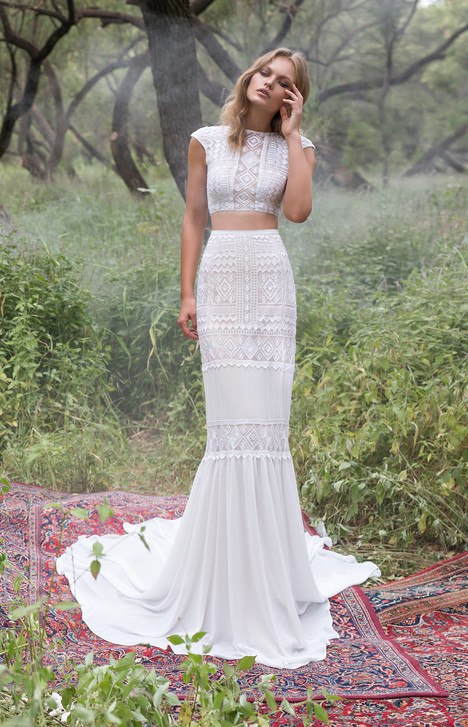 Rosemary gown from the 2017 Limor Rosen collection, as seen on Bride.Canada