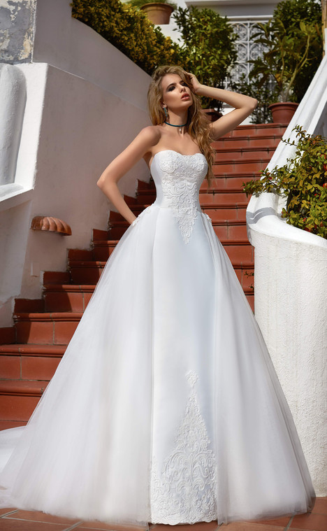 Viva (10518) gown from the 2017 Victoria Soprano collection, as seen on Bride.Canada