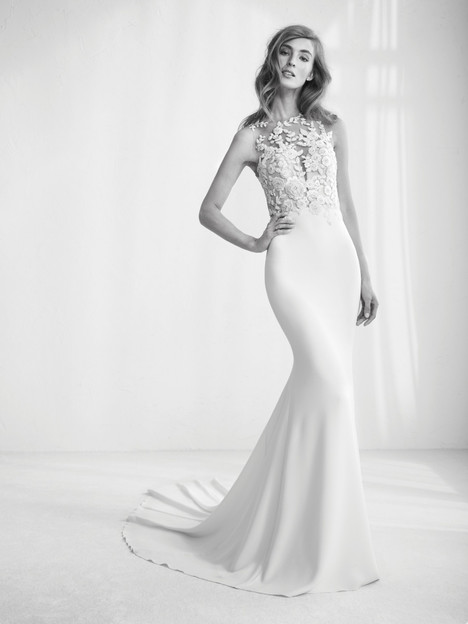 Raika gown from the 2018 Pronovias Atelier collection, as seen on Bride.Canada