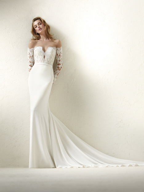 Dracma gown from the 2018 Pronovias collection, as seen on Bride.Canada