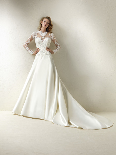Draga gown from the 2018 Pronovias collection, as seen on Bride.Canada