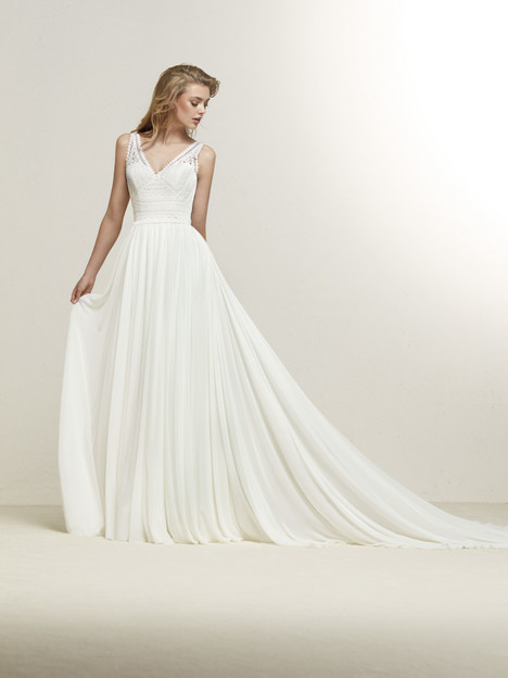 Dramia gown from the 2018 Pronovias collection, as seen on Bride.Canada