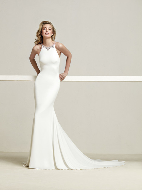 Dreba gown from the 2018 Pronovias collection, as seen on Bride.Canada