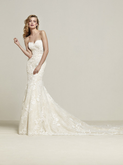 Dresine gown from the 2018 Pronovias collection, as seen on Bride.Canada