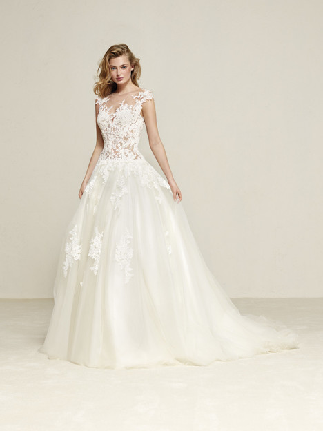 Drisule gown from the 2018 Pronovias collection, as seen on Bride.Canada