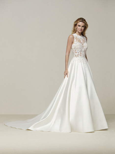 Drusena gown from the 2018 Pronovias collection, as seen on Bride.Canada