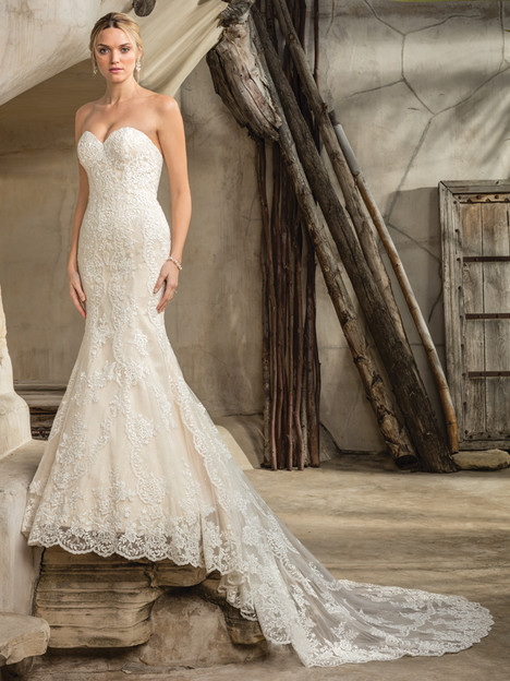 Sedona (2292) gown from the 2017 Casablanca Bridal collection, as seen on Bride.Canada