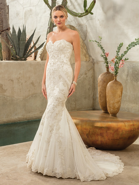 Dakota (2298) gown from the 2017 Casablanca Bridal collection, as seen on Bride.Canada