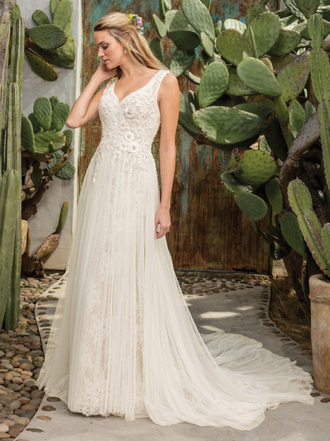Sierra (2301) gown from the 2017 Casablanca Bridal collection, as seen on Bride.Canada