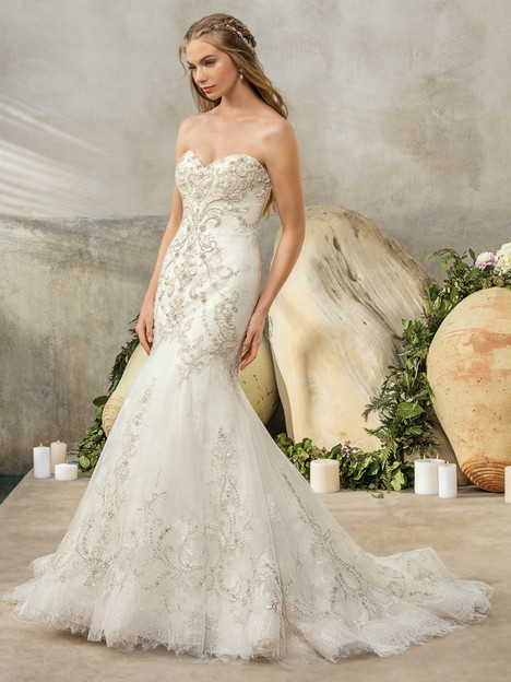 Cambria (2304) gown from the 2017 Casablanca Bridal collection, as seen on Bride.Canada