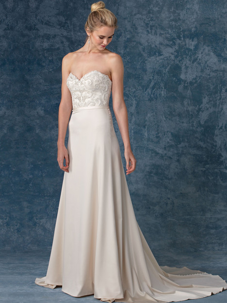 Liberty (BL247) gown from the 2017 Beloved By Casablanca collection, as seen on Bride.Canada