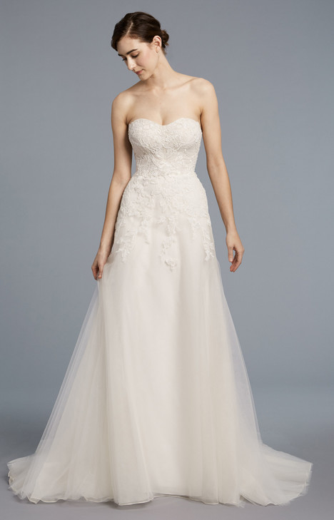 Faye gown from the 2018 Anne Barge collection, as seen on Bride.Canada