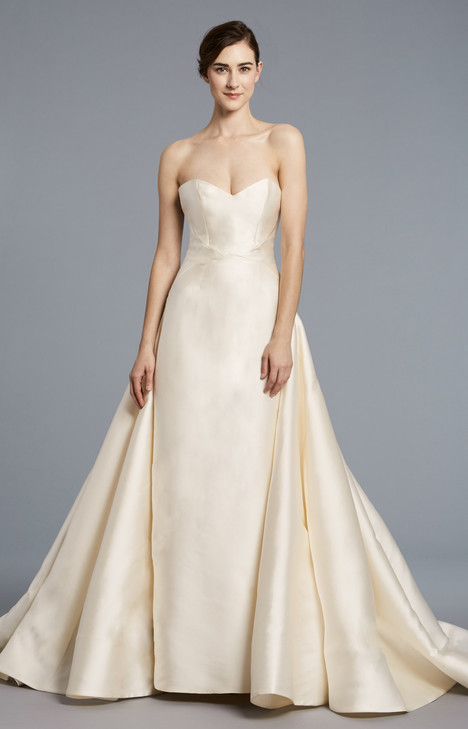Radziwill gown from the 2018 Anne Barge collection, as seen on Bride.Canada