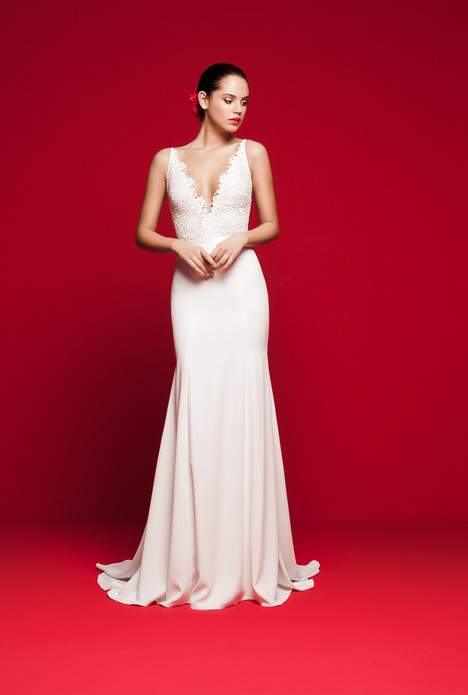 LVS-321 gown from the 2018 Daalarna collection, as seen on Bride.Canada