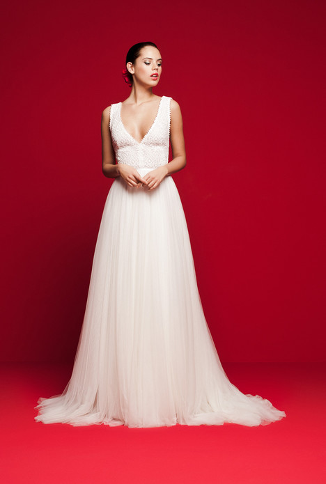 LVS-322 gown from the 2018 Daalarna collection, as seen on Bride.Canada