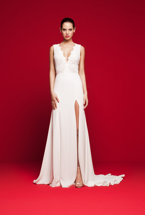 LVS-323 gown from the 2018 Daalarna collection, as seen on Bride.Canada