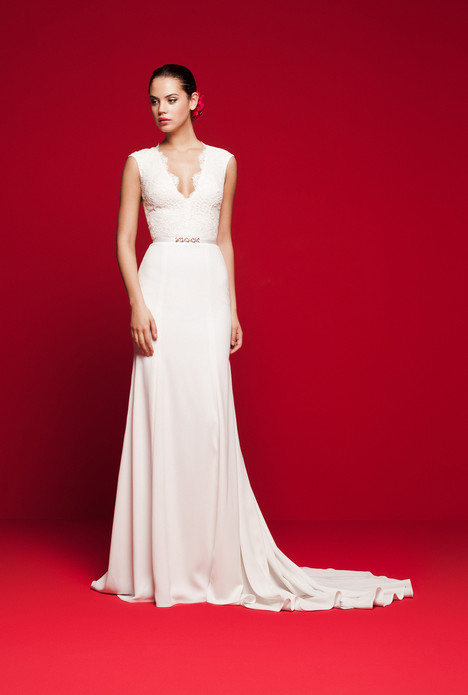 LVS-328 gown from the 2018 Daalarna collection, as seen on Bride.Canada