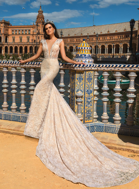 Patris gown from the 2017 Crystal Sevilia collection, as seen on Bride.Canada