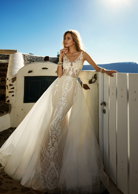 Tailor gown from the 2017 Eva Lendel Santorini collection, as seen on Bride.Canada
