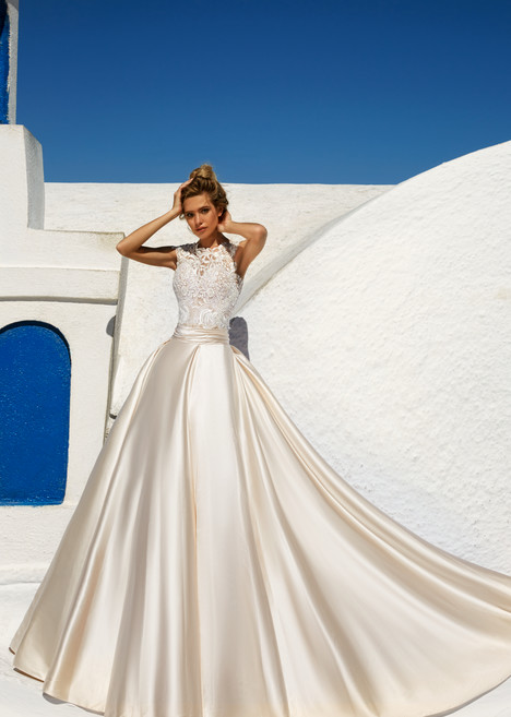 Talia gown from the 2017 Eva Lendel Santorini collection, as seen on Bride.Canada