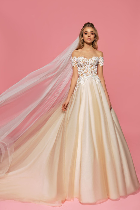 Karly gown from the 2017 Eva Lendel Pink Inspiration collection, as seen on Bride.Canada