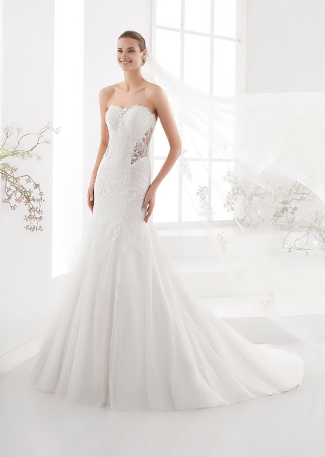 AUAB18961 gown from the 2018 Aurora collection, as seen on Bride.Canada