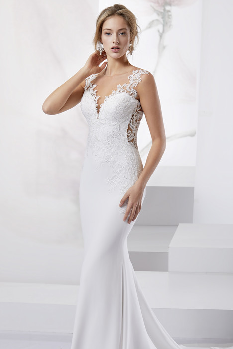 JOAB18412 gown from the 2018 Jolies collection, as seen on Bride.Canada