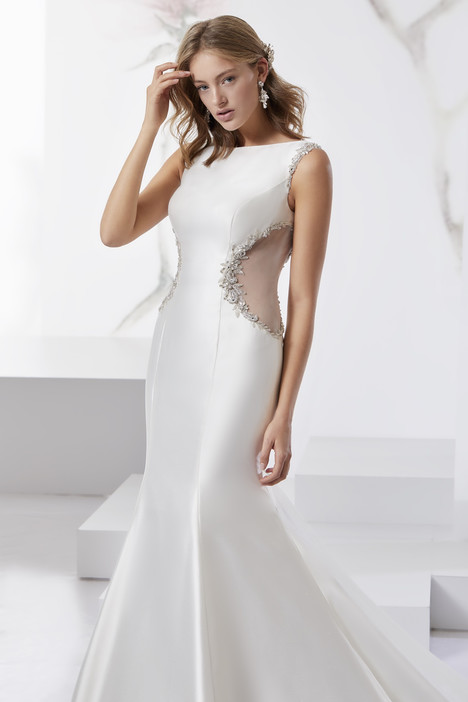 JOAB18454 gown from the 2018 Jolies collection, as seen on Bride.Canada