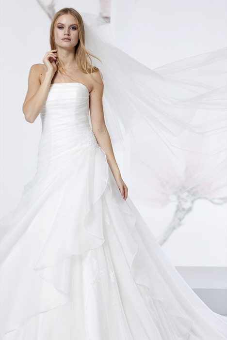 JOAB18460 gown from the 2018 Jolies collection, as seen on Bride.Canada