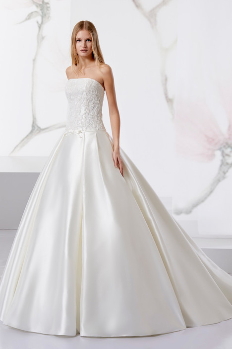 JOAB18463 gown from the 2018 Jolies collection, as seen on Bride.Canada