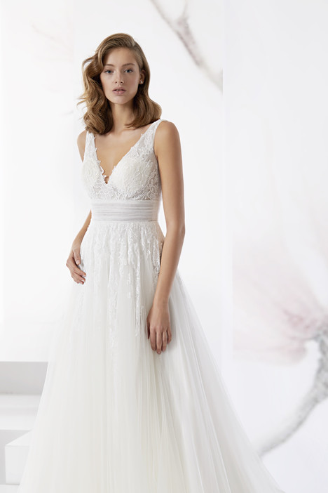 JOAB18489 gown from the 2018 Jolies collection, as seen on Bride.Canada