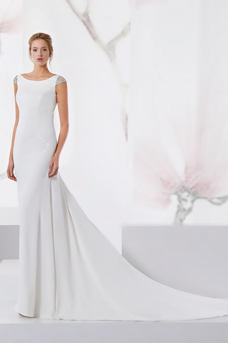 JOAB18507 gown from the 2018 Jolies collection, as seen on Bride.Canada