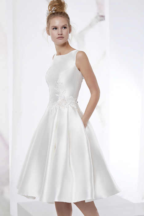 JOAB18508 gown from the 2018 Jolies collection, as seen on Bride.Canada