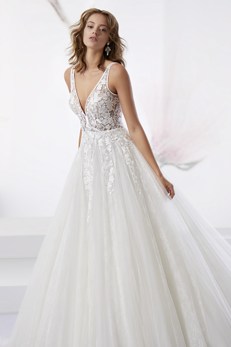 JOAB18518 gown from the 2018 Jolies collection, as seen on Bride.Canada