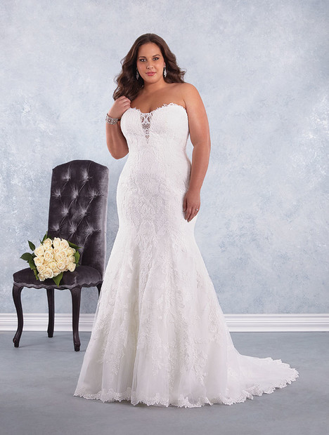 2603W gown from the 2017 Alfred Angelo collection, as seen on Bride.Canada