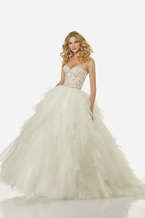 Angelina (3402) gown from the 2018 Randy Fenoli Bridal collection, as seen on Bride.Canada