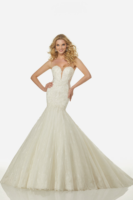 Aria (3417) gown from the 2018 Randy Fenoli Bridal collection, as seen on Bride.Canada