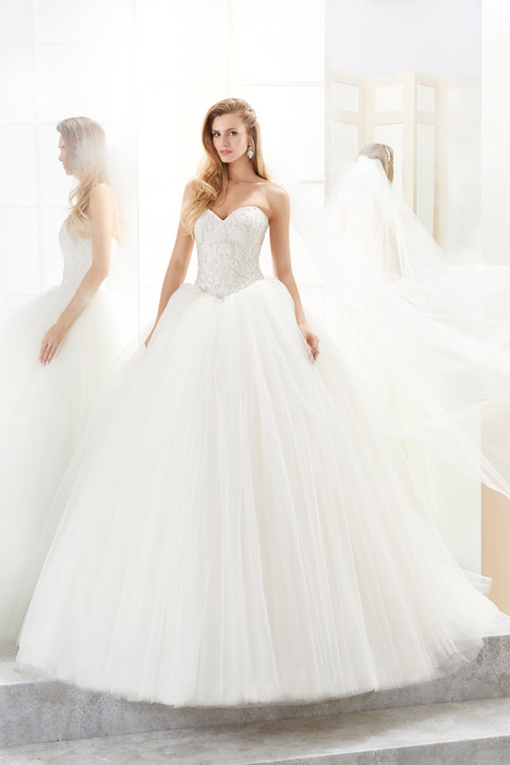 ROAB18836 gown from the 2018 Romance collection, as seen on Bride.Canada