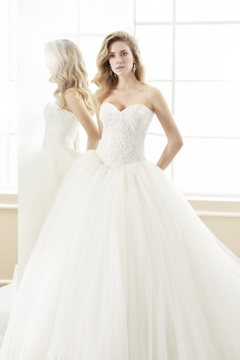 ROAB18845 gown from the 2018 Romance collection, as seen on Bride.Canada