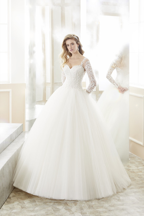 ROAB18862 gown from the 2018 Romance collection, as seen on Bride.Canada