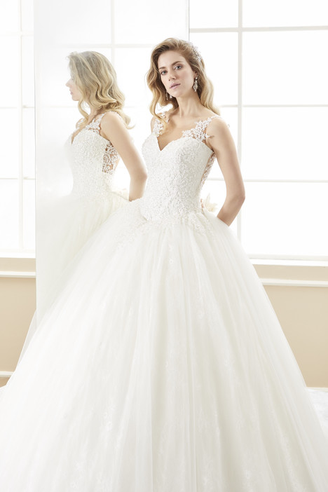 ROAB18882 gown from the 2018 Romance collection, as seen on Bride.Canada