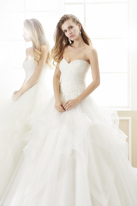 ROAB18896 gown from the 2018 Romance collection, as seen on Bride.Canada