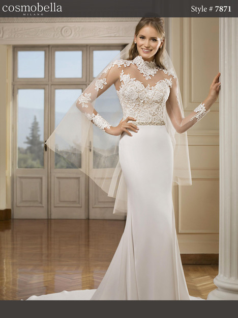 7871 gown from the 2018 Cosmobella collection, as seen on Bride.Canada